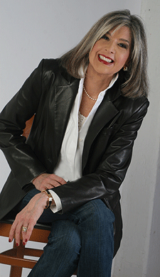 Live Chat/Interview with author Hank Phillippi Ryan