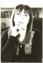 Guest blogger - Sheila Lowe - Series versus Standalone Writing